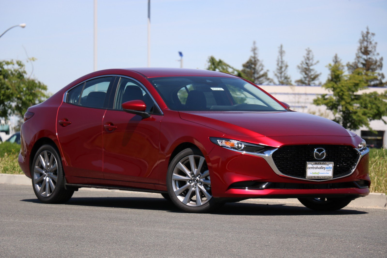 New 2019<br>Mazda3 Sedan w/Preferred Pkg FWD